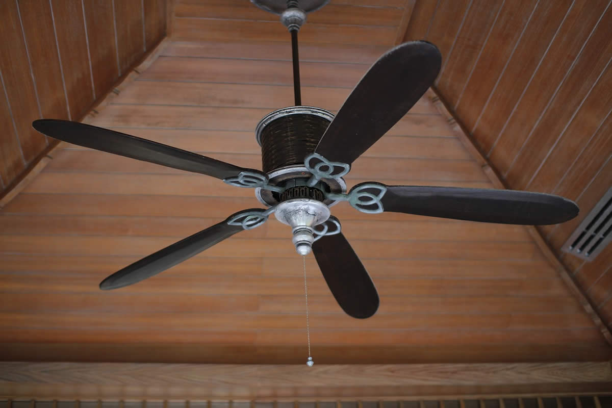 Selecting a Ceiling Fan and Ceiling Fan Installation Considerations