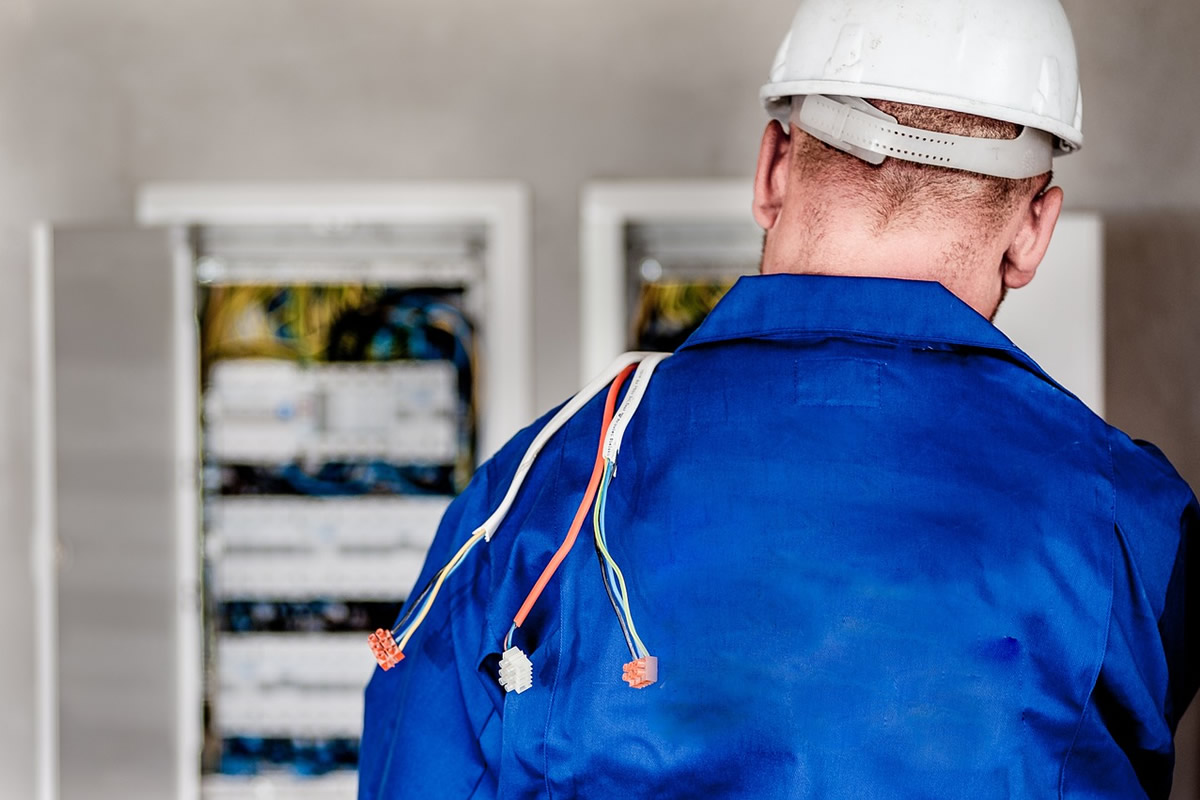 Tips for Working with an Electrician