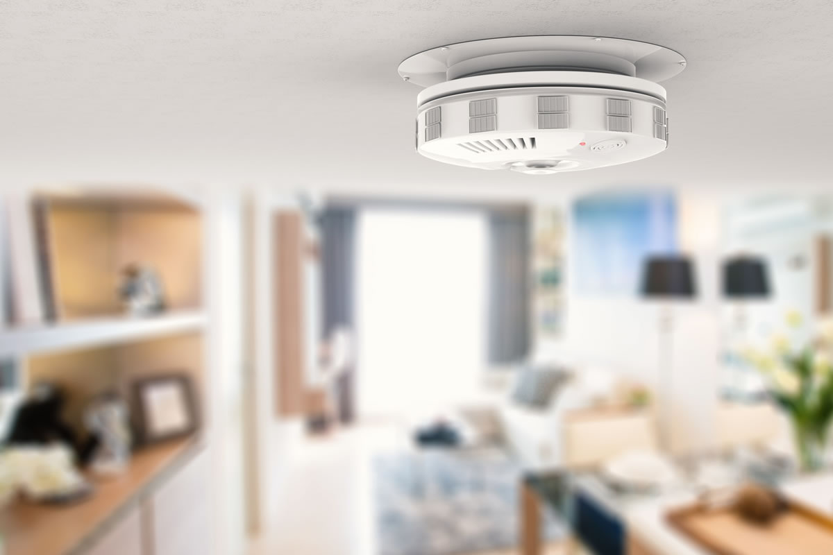 How to Maintain Your Smoke Detector to Keep You Safe