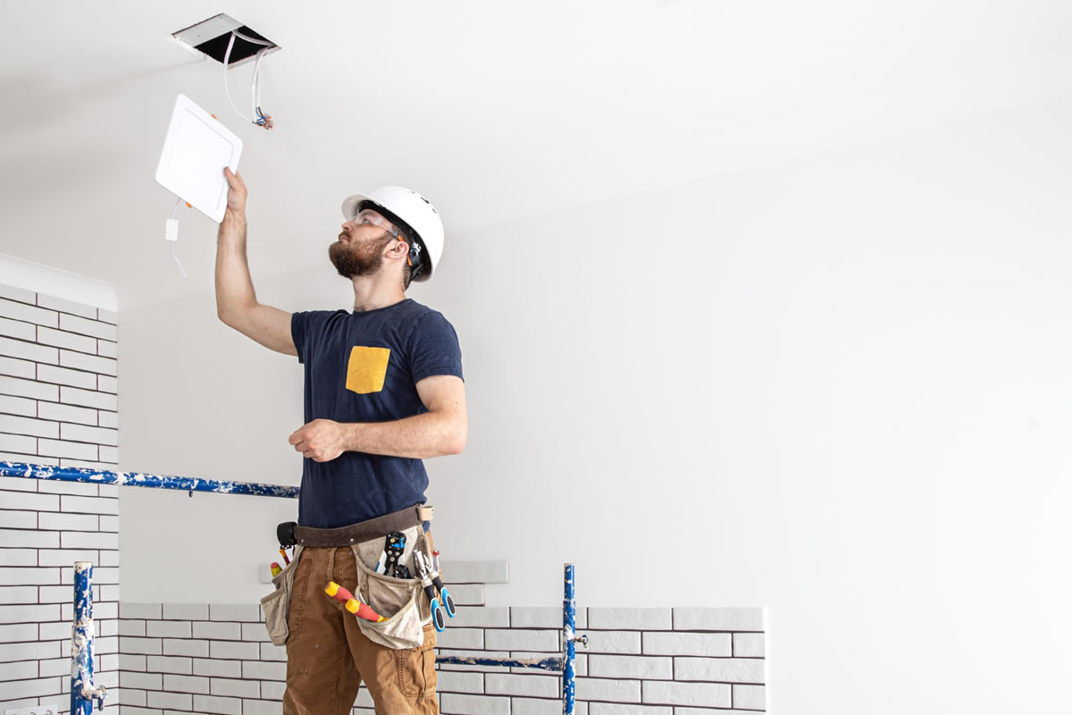 Four Signs You May Want to Call an Electrician