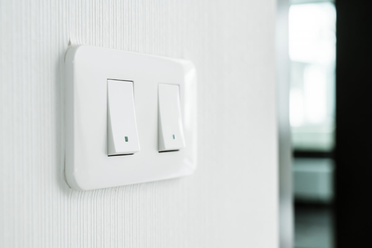 Five Signs that Your Wall Light Switch May Be Defective