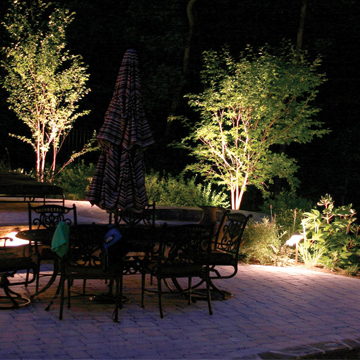 outdoor landscape deck and pool lighting